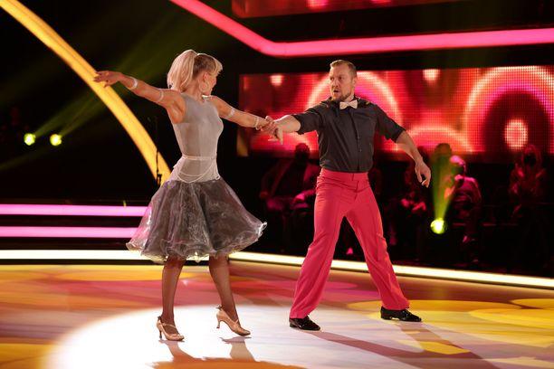 Kia Lehmuskosken ja Niklas Hagmanin tanssi vakuutti niin tuomarit kuin katsojat.