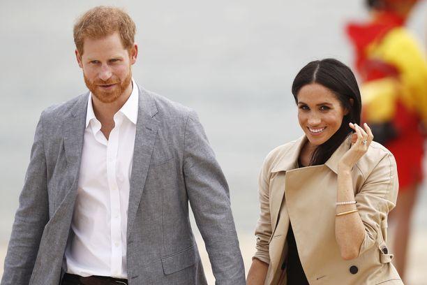 Prinssi Harry ja herttuatar Meghan vierailevat parhaillaan Australiassa. Meghan odottaa parin ensimmäistä lasta.