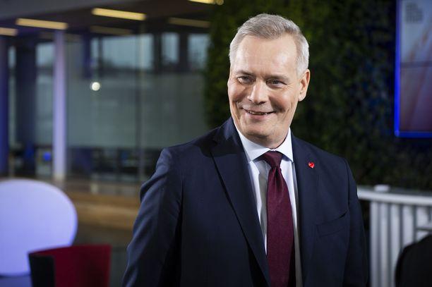 Antti Rinne kehuu Suomen jääkiekkomaajoukkuetta hyvästä yhteishengestä.