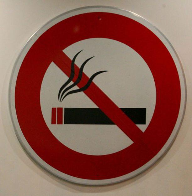 Tupakkalait vaikuttavat sairaalakäynteihin.