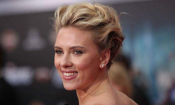 Vasta 27-vuotias Scarlett Johansson on Hollywoodin kuumimpia näyttelijättäriä.