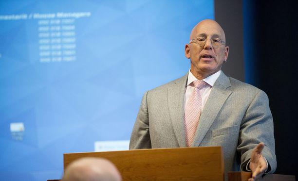 Bruce Oreck toimi Yhdysvaltain Suomen-suurlähettiläänä syksystä 2009 heinäkuuhun 2015.