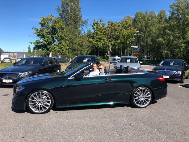 Kun Hannu Kauremaa lähtee suunnittelemaan uuden auton hankintaa tai edellisen vaihtoa uuteen, suuntaa hän Rinta-Joupin Autoliikkeen Hyvinkään toimipisteeseen myyjä Mika Ilpoisen juttusille.