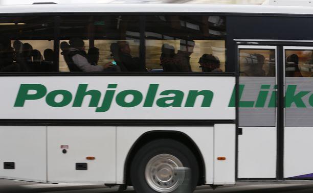 Arkistokuvassa yhtiön linja-auto.