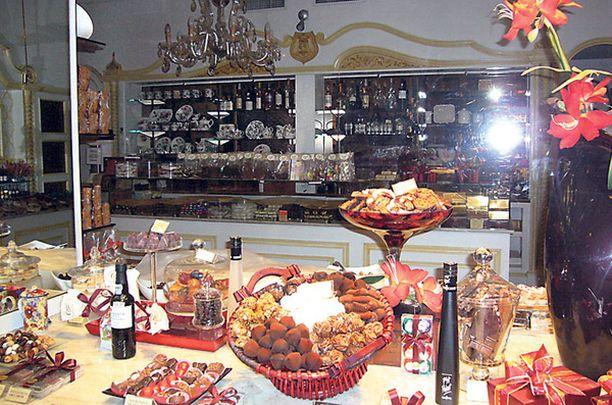 Hienoimmat suklaapuodit löytää katetulta Galeries St. Hubert -kauppakadulta.