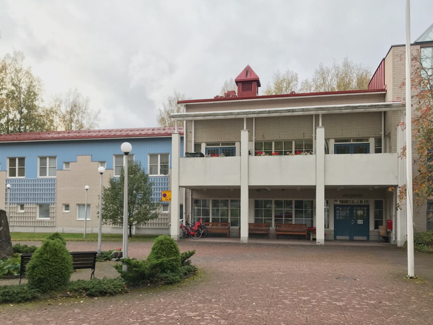 Hämeenlinnan Ilveskoti tarjoaa muun muassa sotainvalideille erilaisia kuntoutushoitoja.