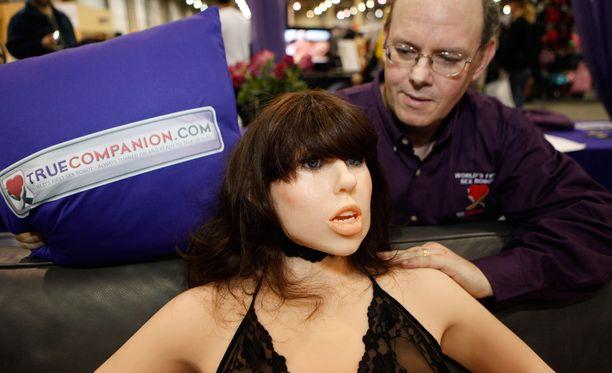 True Companion -yhtiön toimitusjohtaja Douglas Hines on kehittämässä Roxxy-seksinuken tekoälyllä varustettua protyyppiä.