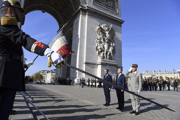 Yli 60 maan valtiojohtajat kokoontuvat sunnuntaina Suomen aikaa kello 12.00 Pariisin Riemukaarelle juhlistamaan ensimmäisen maailmansodan Aselevon muistojuhlaa.