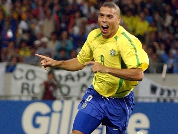 Ronaldo johdatti maaleillaan Brasilian maailmanmestariksi vuonna 2002.