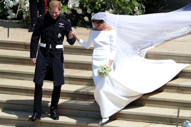 Herttuatar Meghanin puku on yksi viime aikojen ihastuttaneimmista morsiuspuvuista.