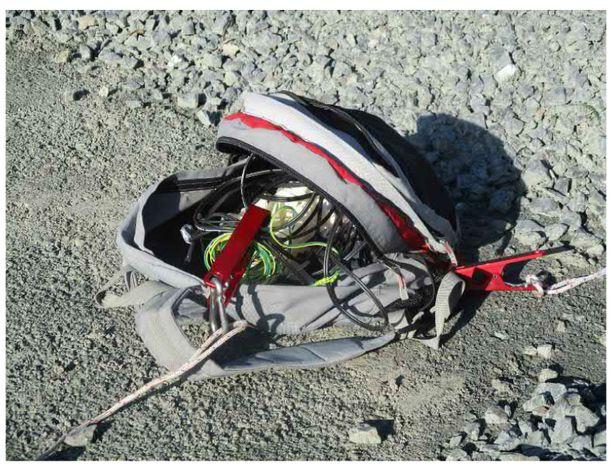Pommi paljastui miehen repusta vasta poliisiasemalla. Se kuljetettiin ulos tuhottavaksi.