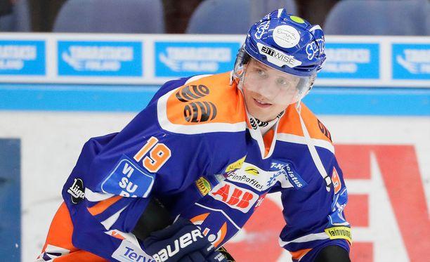 Veli-Matti Savinainen ratkaisi ottelun jatkoajalla.