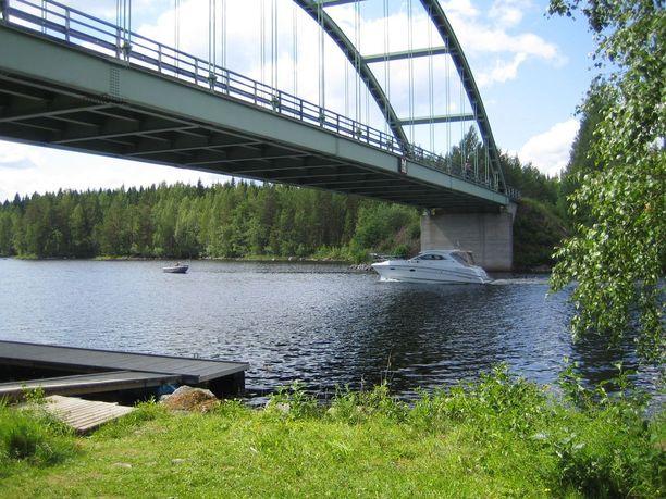 Tekotapa täytti hautarauhan rikkomisen tunnusmerkistön: tuomittu kohteli vainajaa sopimattomasti, kun kääri sen jätesäkkiin ja pudotti Matilanvirran sillalta järveen.