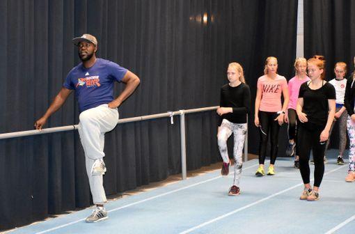 Jermaine Shand veti treenejä Tampereella.