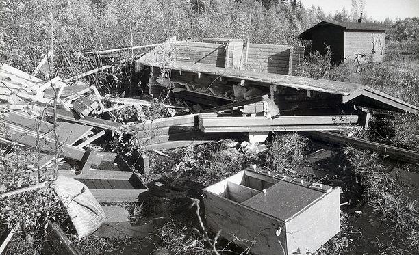 Mauri-myrskyn jäljiltä Tornion Laivaniemeen ajautuneen saarimökin raunioista löytyi kaksi kuollutta ihmistä.