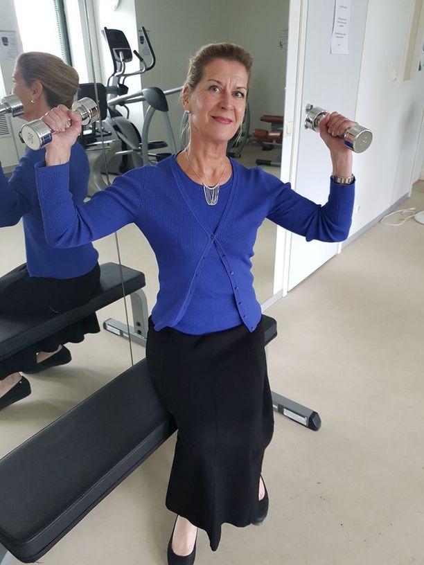 Ravinnolla ja liikunnalla on suora yhteys syöpäriskeihin, kertoo syöpälääkäri Meri-Sisko Vuoristo.