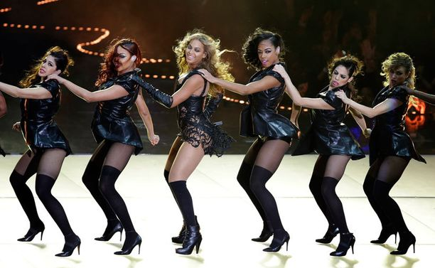 Beyonce sai rinnalleen liudan tanssijoita.