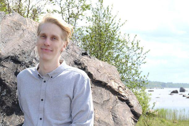 """""""Pääsin opiskelijavaihtoon Torontoon, ja sain perheenikin mukaan seikkailuun. Centrian yhteistyökorkeakoulussa sain paitsi uusia näkökulmia kemiaan, myös hyviä kontakteja alan osaajiin."""", Mika Klapuri, kemiantekniikan opiskelija."""