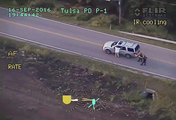 Ampuminen tallentui poliisihelikopterista kuvatulle videolle.