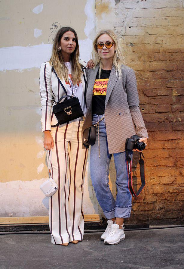 Itävaltalaiset ystävykset Andreea Cebur (vas.) ja Laura Molnar kirjoittavat suosittua Les Factory Femmes -blogia.