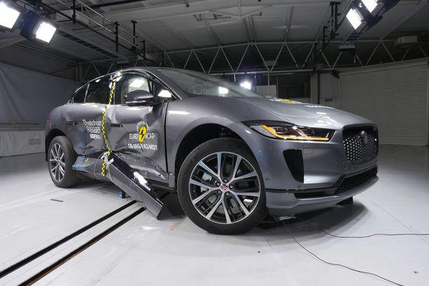 Jaguar i-Pace yhdistää ympäristöystävällisyyden ja turvallisuuden, kehutaan Euro NCAPissa.