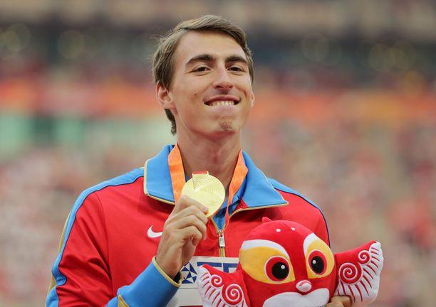 Sergei Shubenkov, 28, sai luvan kilpailla Dohan MM-kilpailuissa.