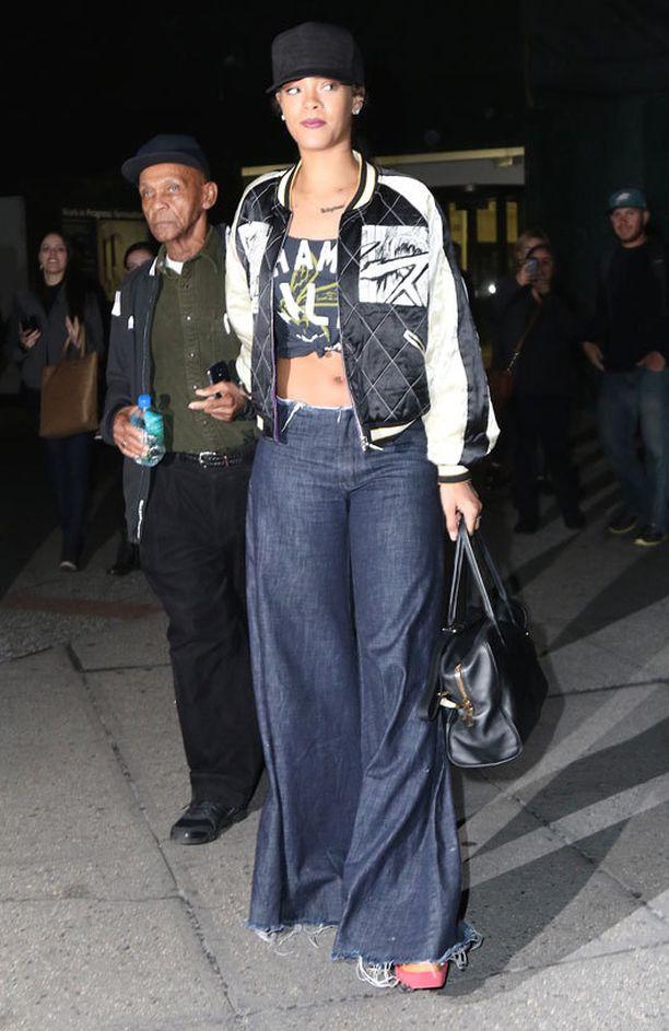 Rihanna veti leveät lahkeet överiksi.