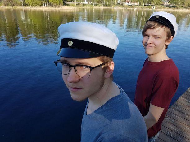 Atte Auvinen ja Veikka Liljeström arvelevat, että erikoistuminen voi pelastaa pienet lukiot.