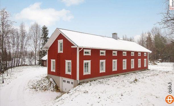 Tämä Kauhavan kirkonkylällä sijaitseva pohjalaistalo on valmistunut vuonna 2013.