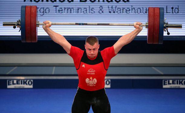 Itsekin kärähtänyt Tomasz Zielinski nousee olympiapronssille melko uskomattoman kärysuman ansiosta.