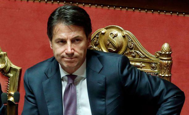 Ensimmäiseen EU-huippukokoukseensa osallistuva Italian pääministeri Conte ilmoitti, että hän ei voi hyväksyä huippukokouksen maahanmuuton hiertämisen vuoksi myöskään muita huippukokouksen päätöslauselmatekstejä.