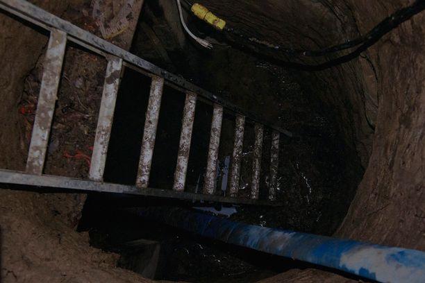 Tunneli oli noin kaksi metriä korkea.