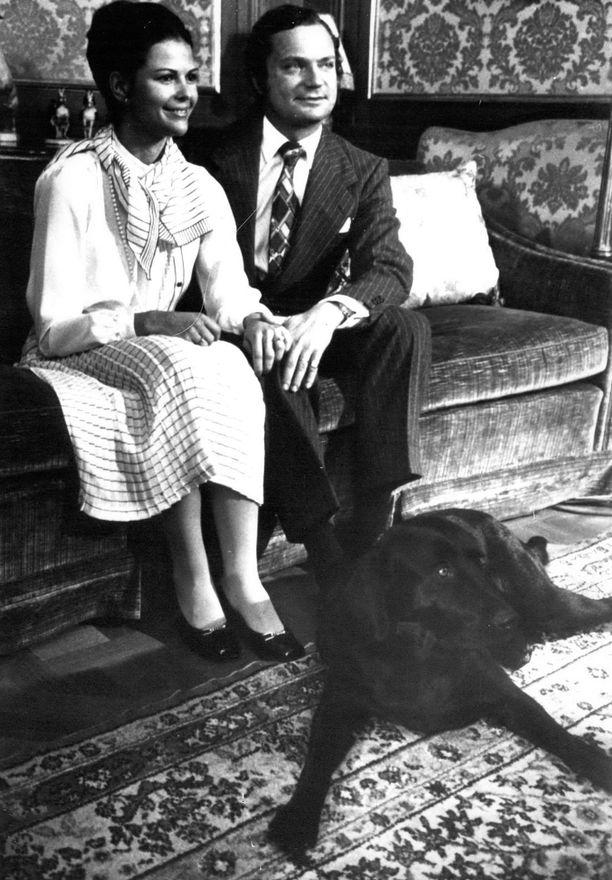 Tältä Kaarle Kustaa ja Silvia näyttivät kihlajaisissaan vuonna 1976.