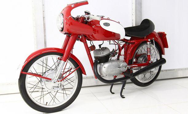 Vuoden 1955 Ferrarin Fratelli 150cc kaksipyöräinen.