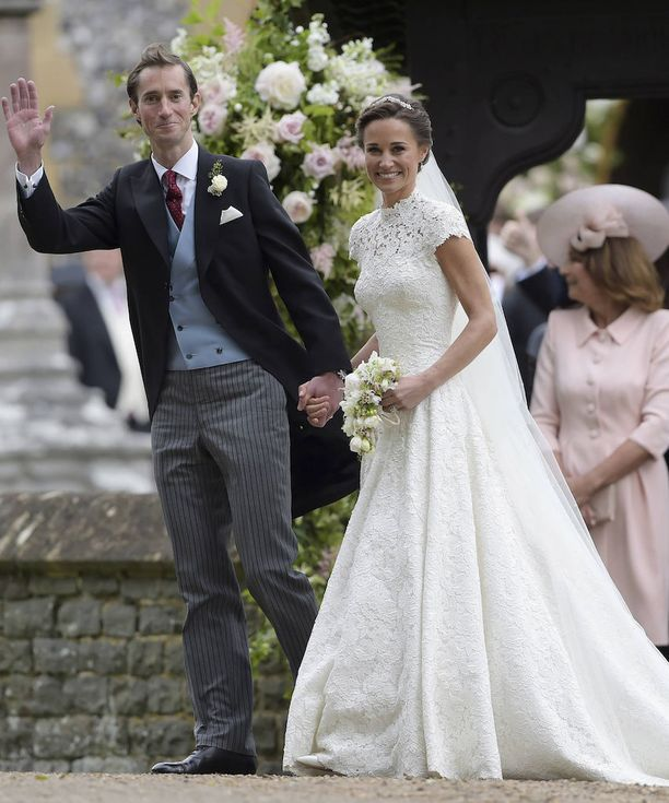 Pippa Middleton, 33, ja James Matthews, 41, juhlivat häitään Carole ja Michael Middletonin kodin pihalle rakennetussa valtavassa paviljongissa.