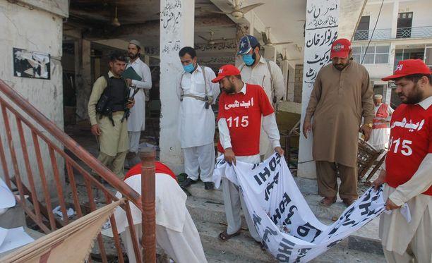 Jälkien raivausta Peshawarissa.