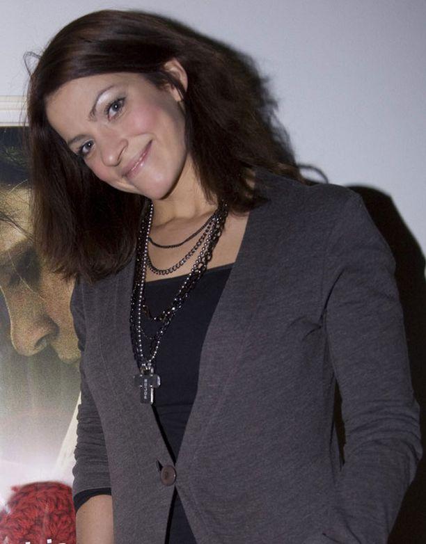 Jenni Banerjee on näytellyt muun muassa vuonna 2010 ensi-iltansa saaneessa Kohtaamisia-elokuvassa.