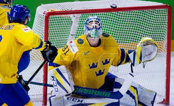 Ruotsin maalivahti Anders Nilsson imuroi kaksi maalia, mutta torjui myös onnella ja taidolla voiton Tre Kronorille.