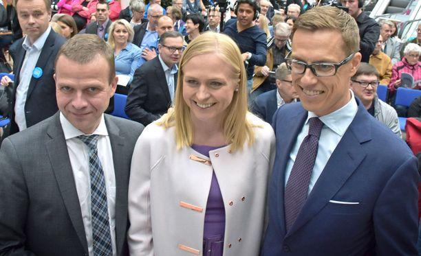 Alexander Stubbin lahjoituksissa julkisuutta ei ole, koska rahat menivät Stubbin tukiyhdistykselle. Tähän yhdistysratkaisuun päädyttiin, koska Uudeltamaalta oli toinenkin ehdokas (Elina Lepomäki), eikä puolue voinut hoitaa vain toisen kampanjaa.
