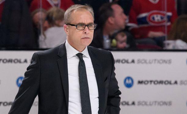 Winnipeg Jetsin kannattajat eivät ole sulattaneet valmentaja Paul Mauricen peluutusratkaisuja.