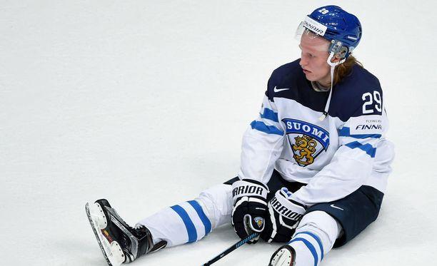 Patrik Laine vapautuu halutessaan MM-kisoihin. Kuva viime vuoden loppuottelusta.
