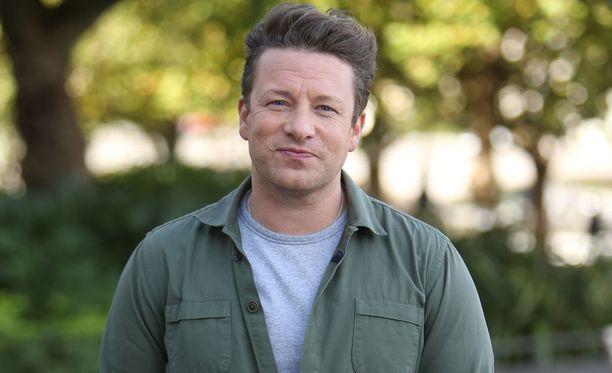 Jamie Oliver ei halua tyttärensä jakavan selfieitä sosiaalisessa mediassa.