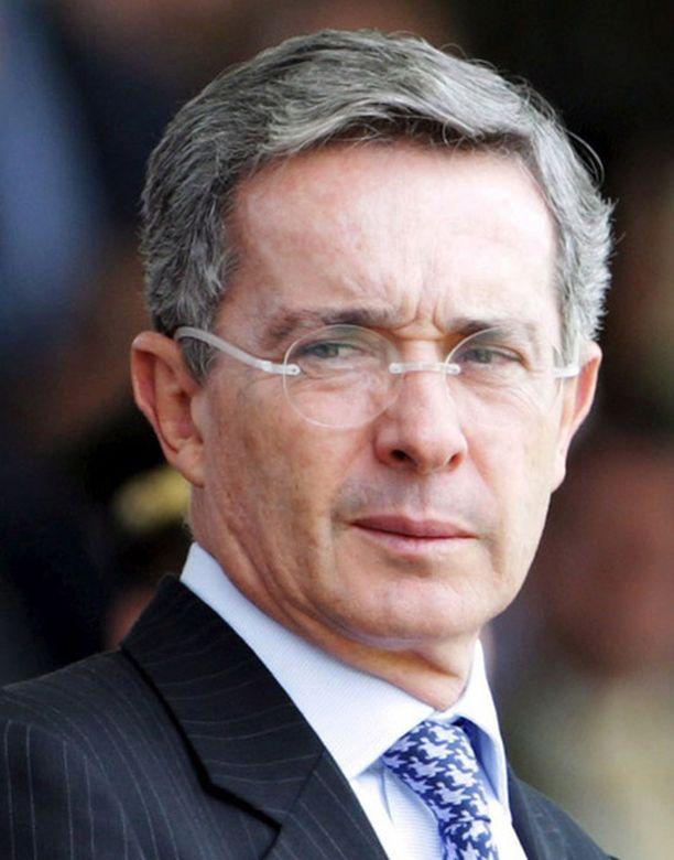 Alvaro Uribe.