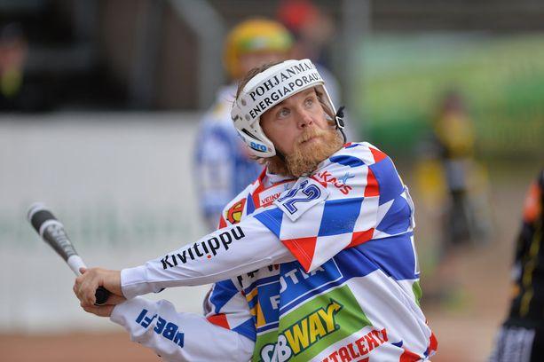 Janne Mäkelä on Superpesiksen lyöjätilaston kärkipäässä vuodesta toiseen.