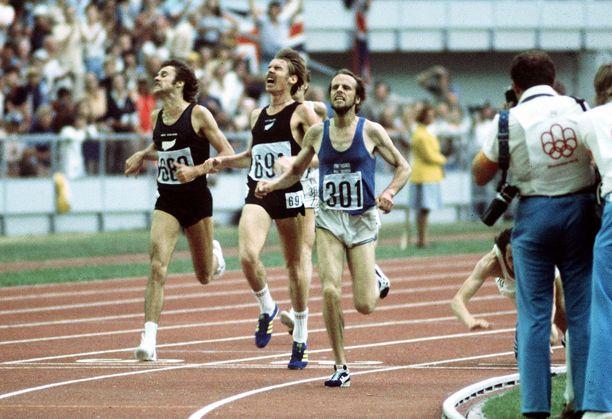 Montrealin 1976 olympialaisten hurjan 5000 metrin juoksun loppuratkaisu: Lasse Virénin kannoilla Dick Quax ottaa hopeaa ja Klaus-Peter Hildenbrand (oik.) syöksyy pronssille.