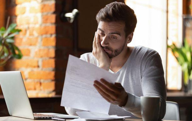 Suomalaisten maksuhäiriöt jatkoivat jälleen kasvuaan. Ainoastaan alle 30-vuotiaiden ikäryhmissä merkintöjen määrä väheni (kuvituskuva).