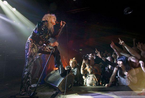Hanoi Rocks esiintyi loppuunmyydyllä Tavastialla useana iltana peräkkäin.