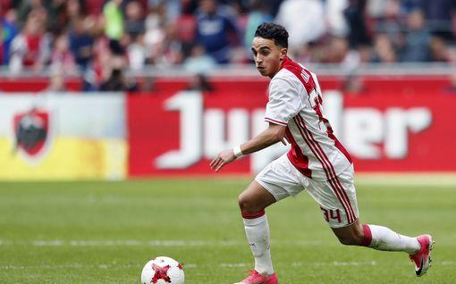 Ajaxin huippupelaaja heräsi koomasta yli kahden vuoden jälkeen – seura lupasi jättikorvaukset ja purki sopimuksen