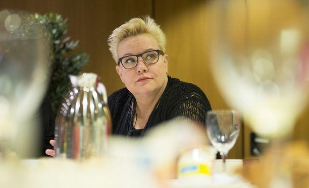 Sirpa Pietikäinen on eniten sivutuloja tienaava suomalainen europarlamentaarikko.