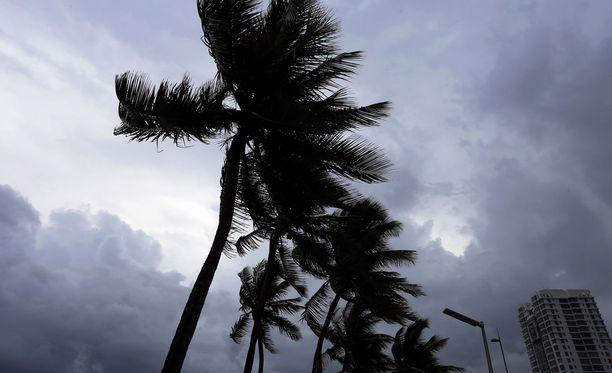 Yhdysvaltojen presidentti Donald Trump on julistanut hätätilan Floridan lisäksi myös Puerto Ricoon ja Neitsytsaarille Irma-hurrikaanin vuoksi.